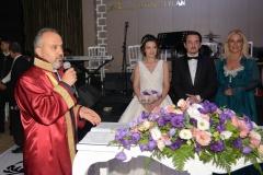 Nikahı Büyükşehir Belediye Başkanı Alinur Aktaş kıydı.