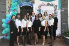 2015 yılında kurulan Essplus Güzellik Merkezi, 3. yılını personeli ve müşterileriyle birlikte pasta keserek kutladı.