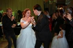 Nikahın hemen ardından Haluk Levent, Zor Aşk isimli şarkısını genç çift için seslendirdi.