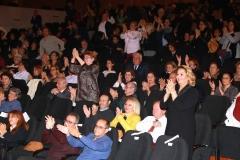 Konser sonunda izleyiciler Nilüfer Kadın Korosu'nu ayakta alkışladı.